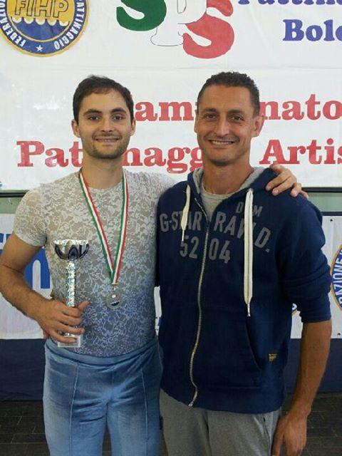 Alessandro Fratalocchi (a sinistra) con il suo allenatore Ivan Bovara (a destra)