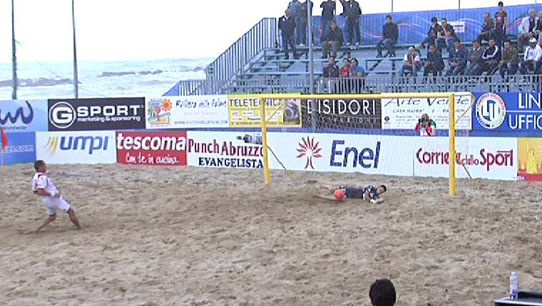 Beach Soccer, il rigore parato