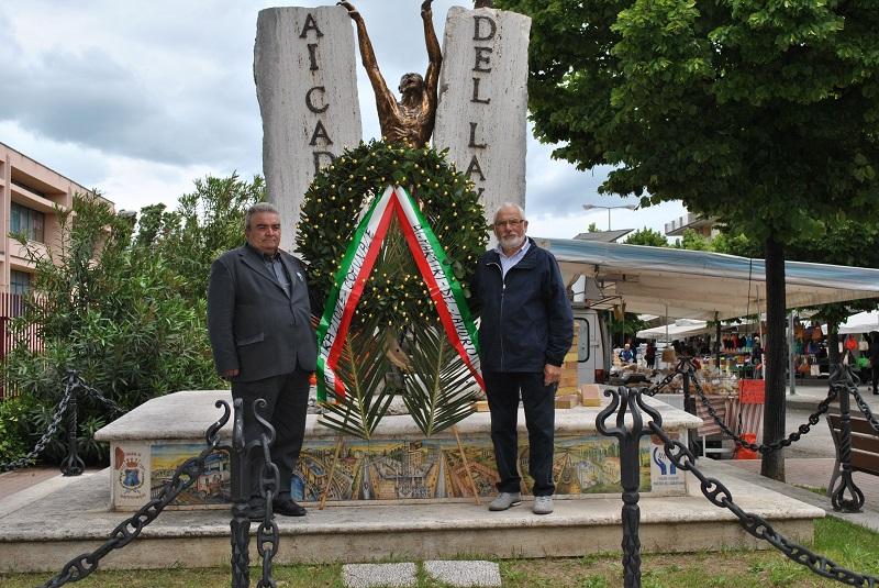 Un momento della commemorazione con Emidio Mozzoni