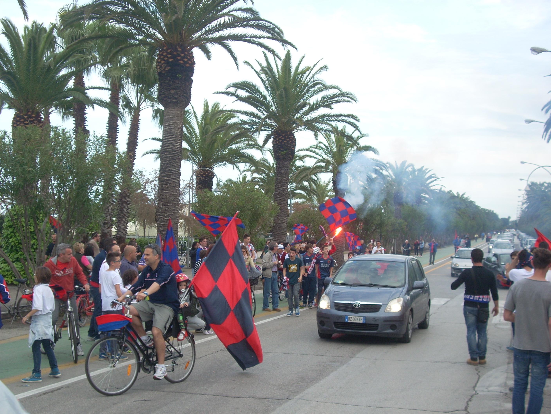 Samb promossa, festa in città