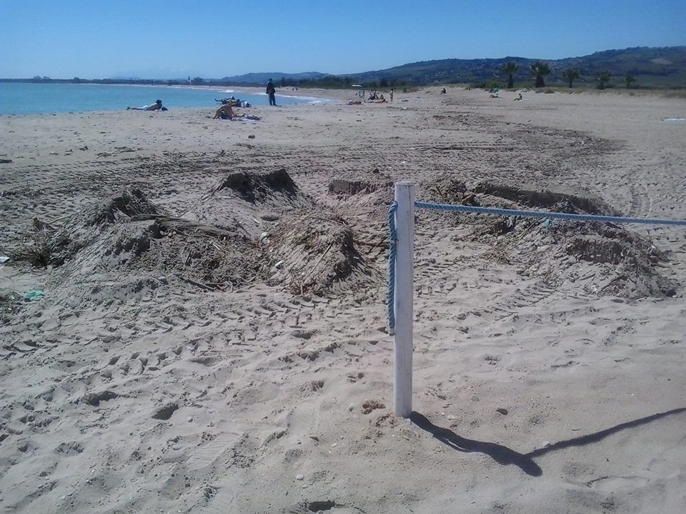 Le foto di Andrea Marinucci dei Verdi circa la spiaggia libera alla Sentina