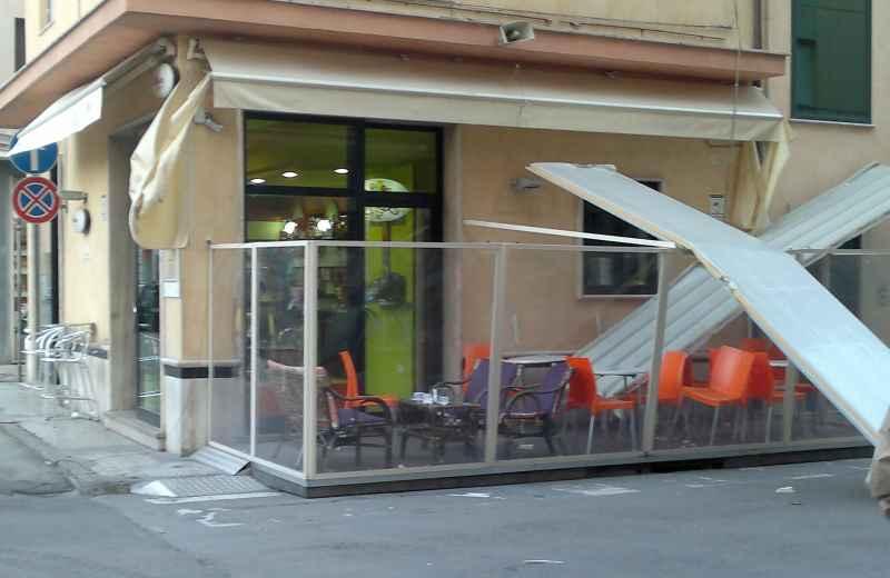 Pannelli caduti in via Montebello (1)