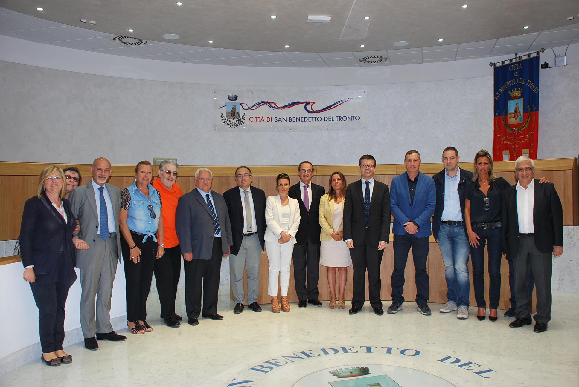La delegazione di Alfortville in Municipio