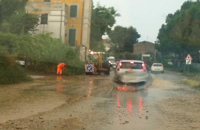 Riviera oggi chiusa la valtesino per un ora causa pioggia for Costo del garage di una macchina