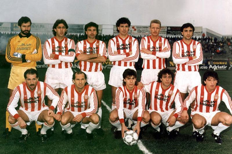 1986-87, il Barletta che conquistò la prima storica promozione in serie B (Fonte Wikipedia)