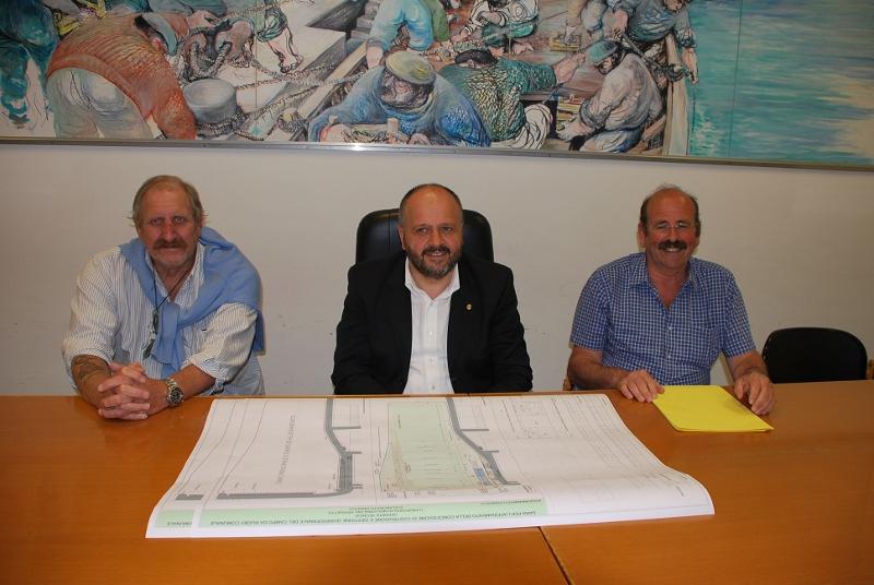 Da sinistra a destra: Pierluigi Camiscioni, il Sindaco Giovanni Gaspari, Renzo Pellei