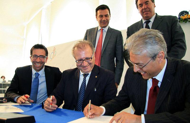 La firma dei protocolli d'intesa per la realizzazione delle piste ciclabili in Abruzzo