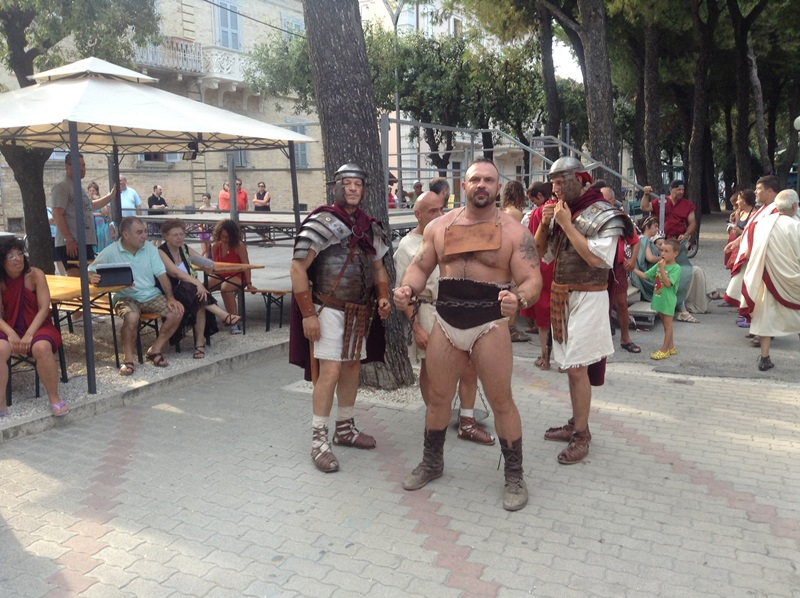 Artocria 2013 (1)