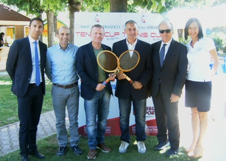 da sinistra verso destra: Roberto Spinucci, Eldo Fanini, Emiliano Guzzo, Afro Zobololetti, Domenico Malavolta, Cristina Gnocchini