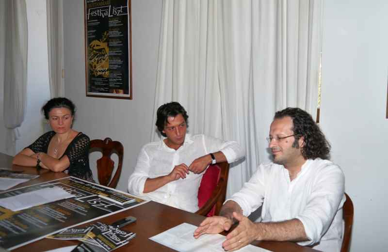 Festivaliszt. Da sinistra Rita Virgili, Enrico Piergallini e Federico Paci