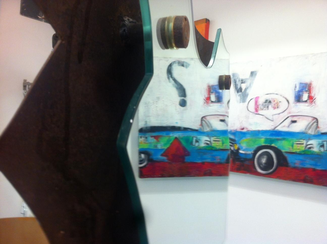 Esposizione di arte moderna al salone Sartarelli