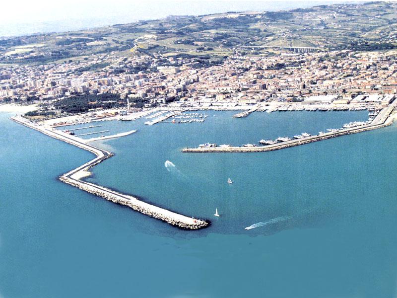 Il porto di San Benedetto, una delle mete più gettonate dei tour guidati