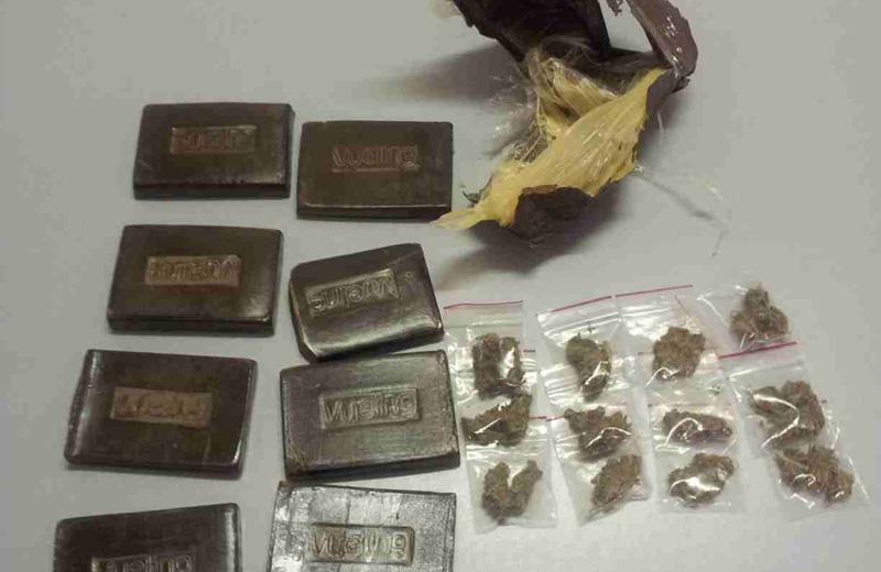 Il sequestro di hashish e marijuana effettuato a Martinsicuro