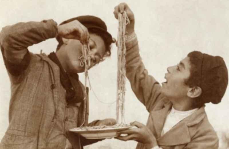 Tradizionale Gara della pastasciutta (fonte Google)