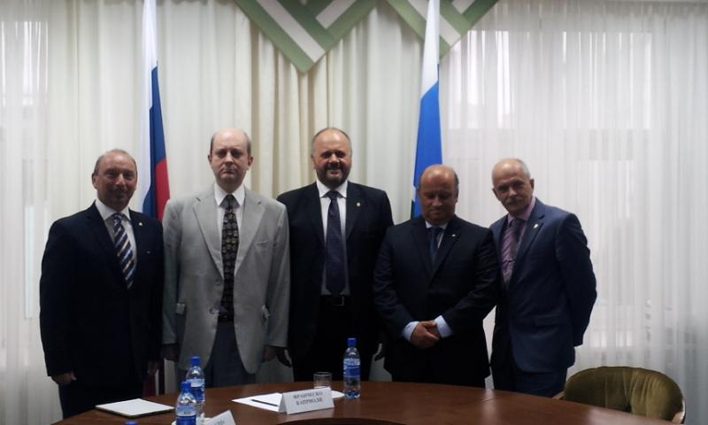 con viceministro regione  Sverdlovsk (2)