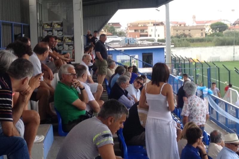 Il pubblico presente al Comunale durante la prima uscita stagionale del Martinsicuro