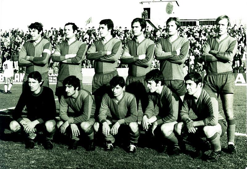 Romano Frigeri è l'ultimo a destra accosciato