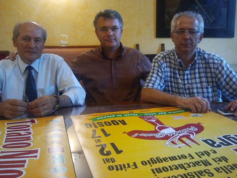 L'assessore provinciale Romandini, il sindaco di Torano Pepe e il presidente della Pro Loco di Torano Genovesi