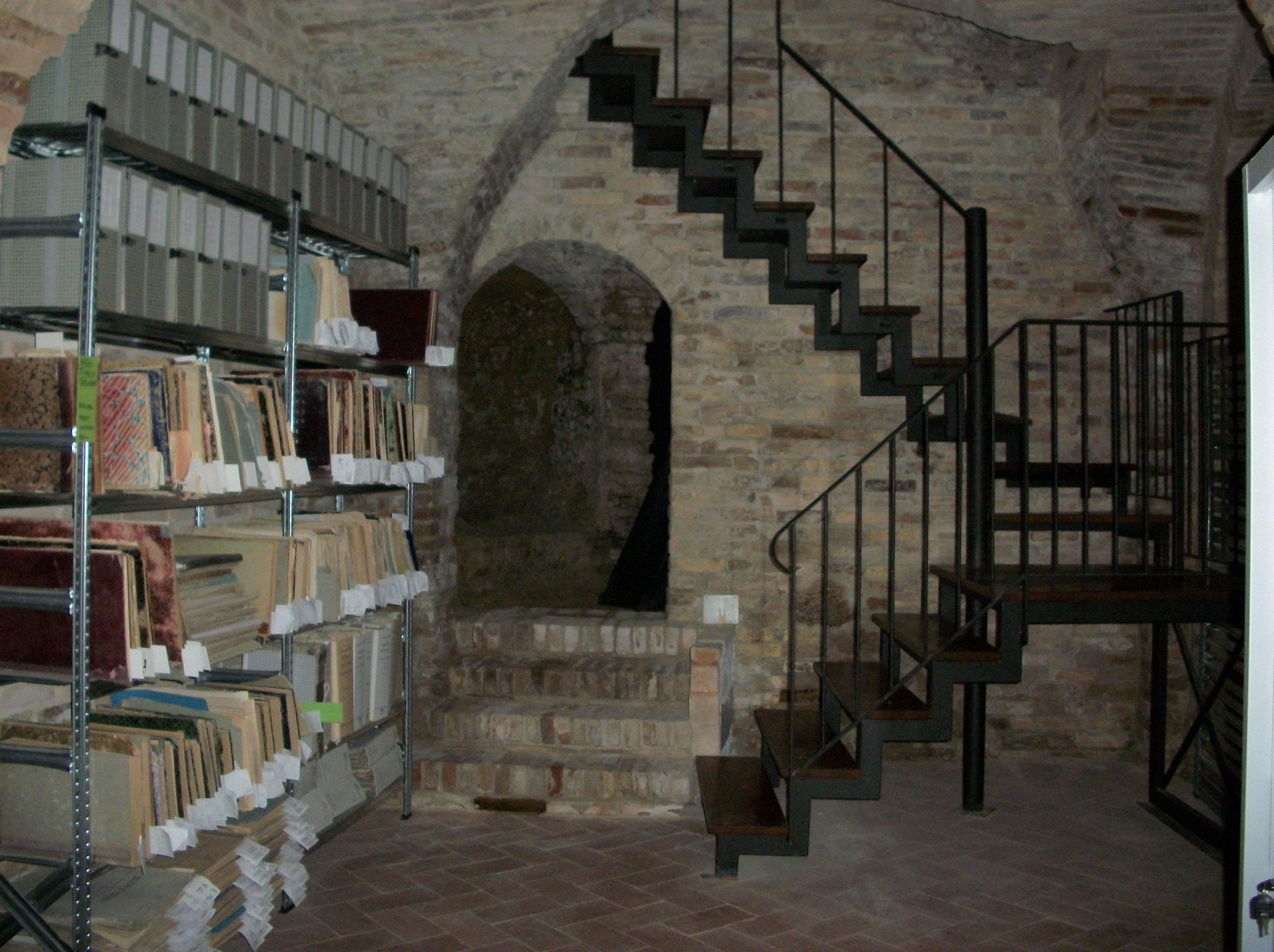 Insieme alla biblioteca sarà riaperto l'archivio storico comunale