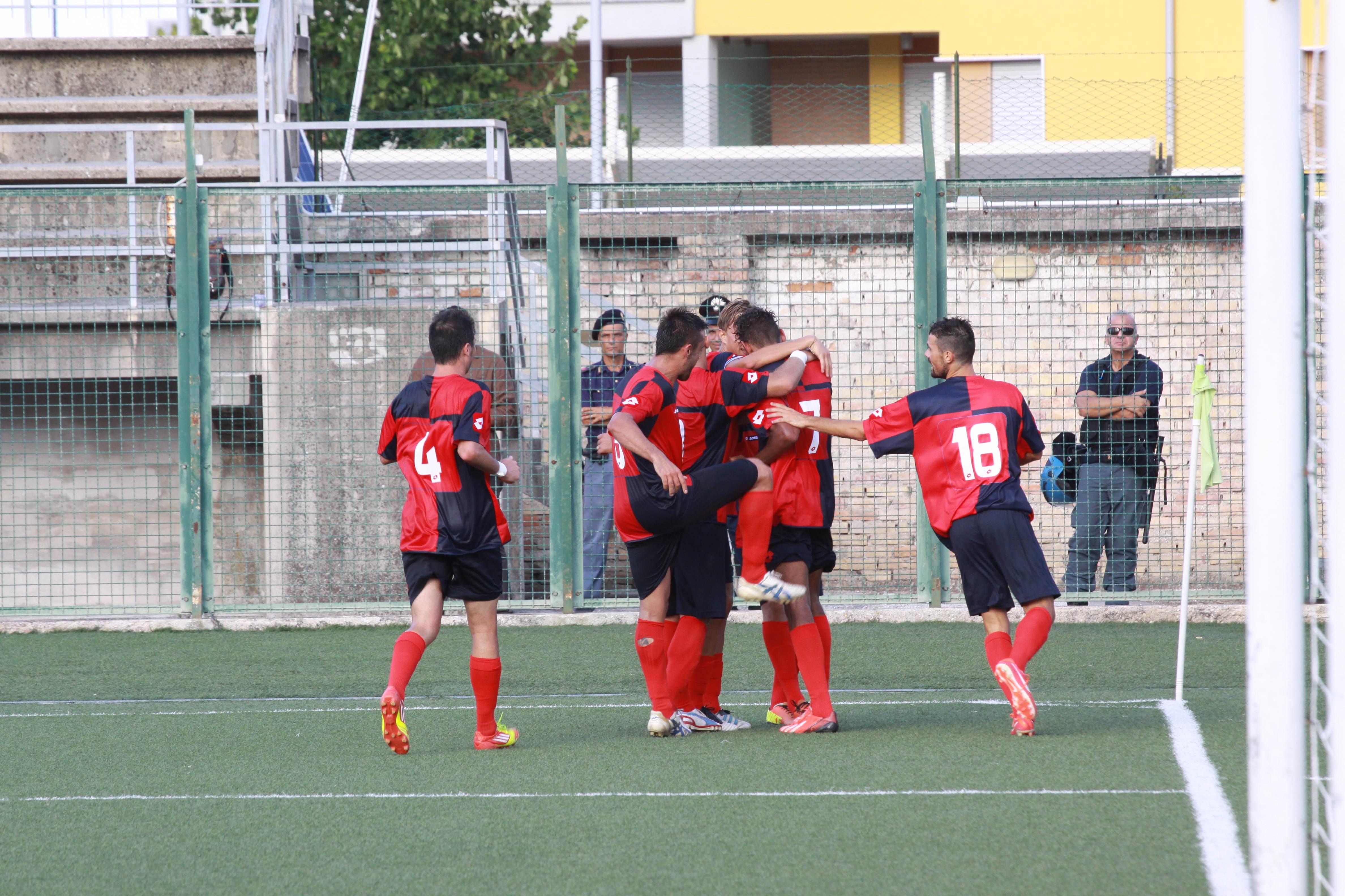 L'esultanza al 3-1 di Padovani (Bianchini)