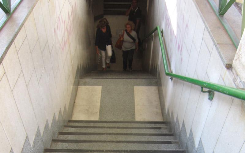 Barriere architettoniche alla stazione di San Benedetto (FOTO SABRINA CAVA)