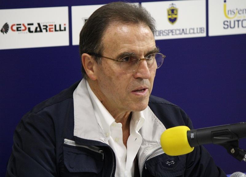 Coach Recalcati in sala stampa