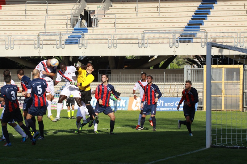 Samb-Montegiorgio, l'1-0 del bomber Tozzi Borsoi