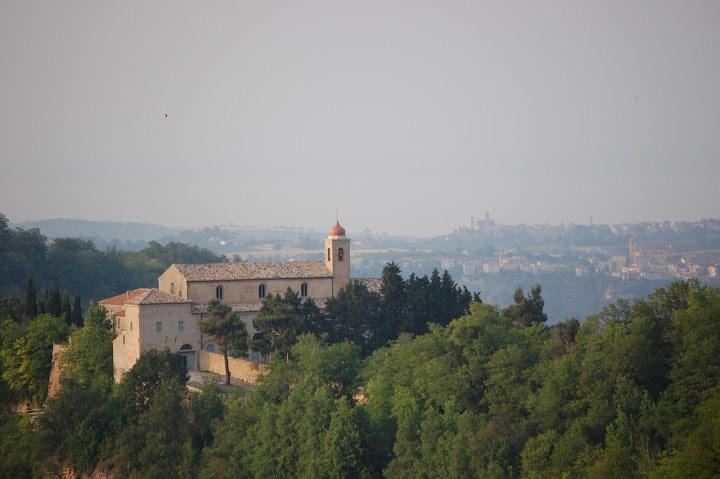 Il Monastero delle Suore Passioniste a Ripatransone (fonte travelcastpiceno)