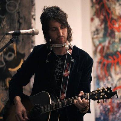 Il cantautore Joseph Arthur