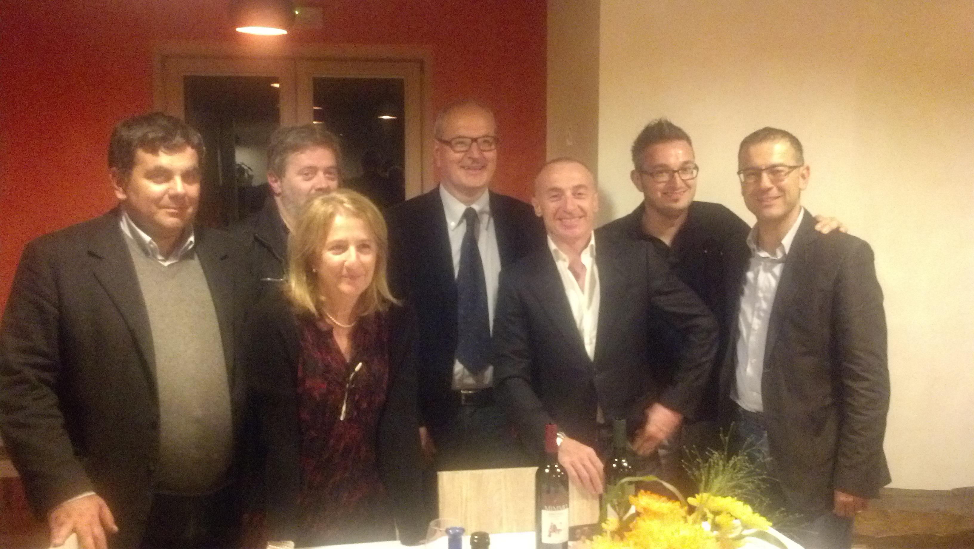 Jury Chechi con il sindaco Remo Bruni, l'ex sindaco Paolo D'Erasmo e alcuni rappresentanti istituzionali e di associazioni ripane