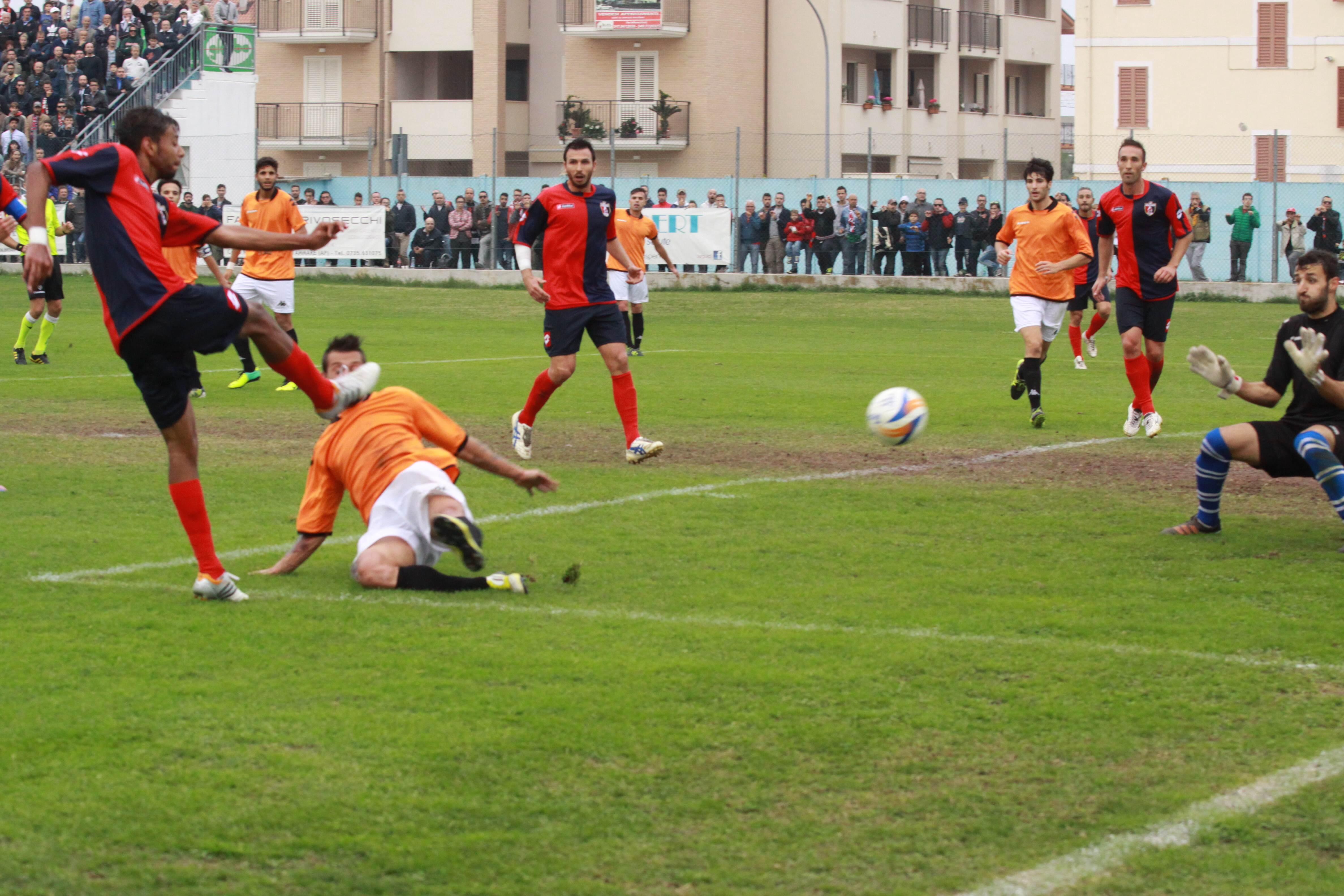 Porto Recanati - Samb. La seconda rete di Padovani