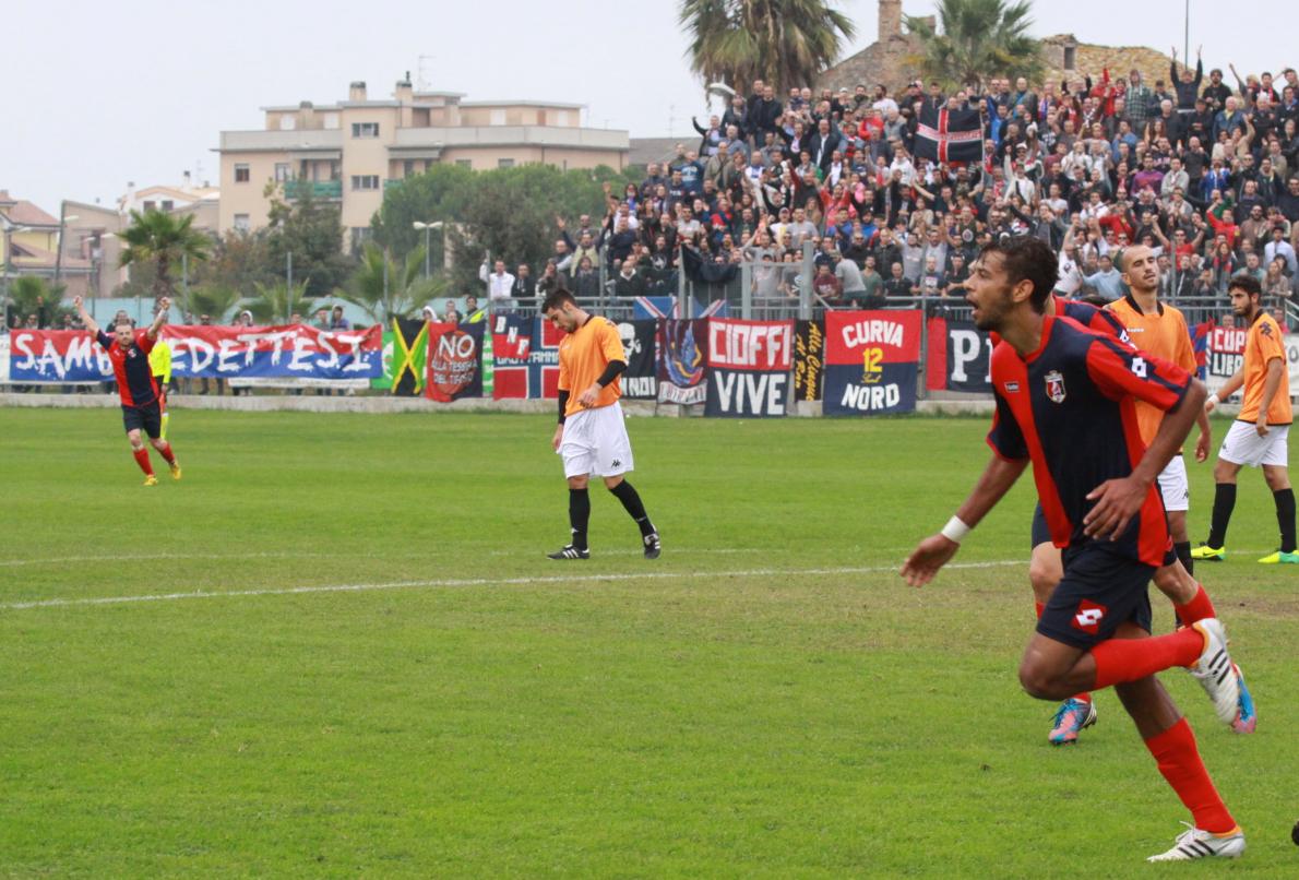 Portorecanati 0-2 Samb, Padovani esulta
