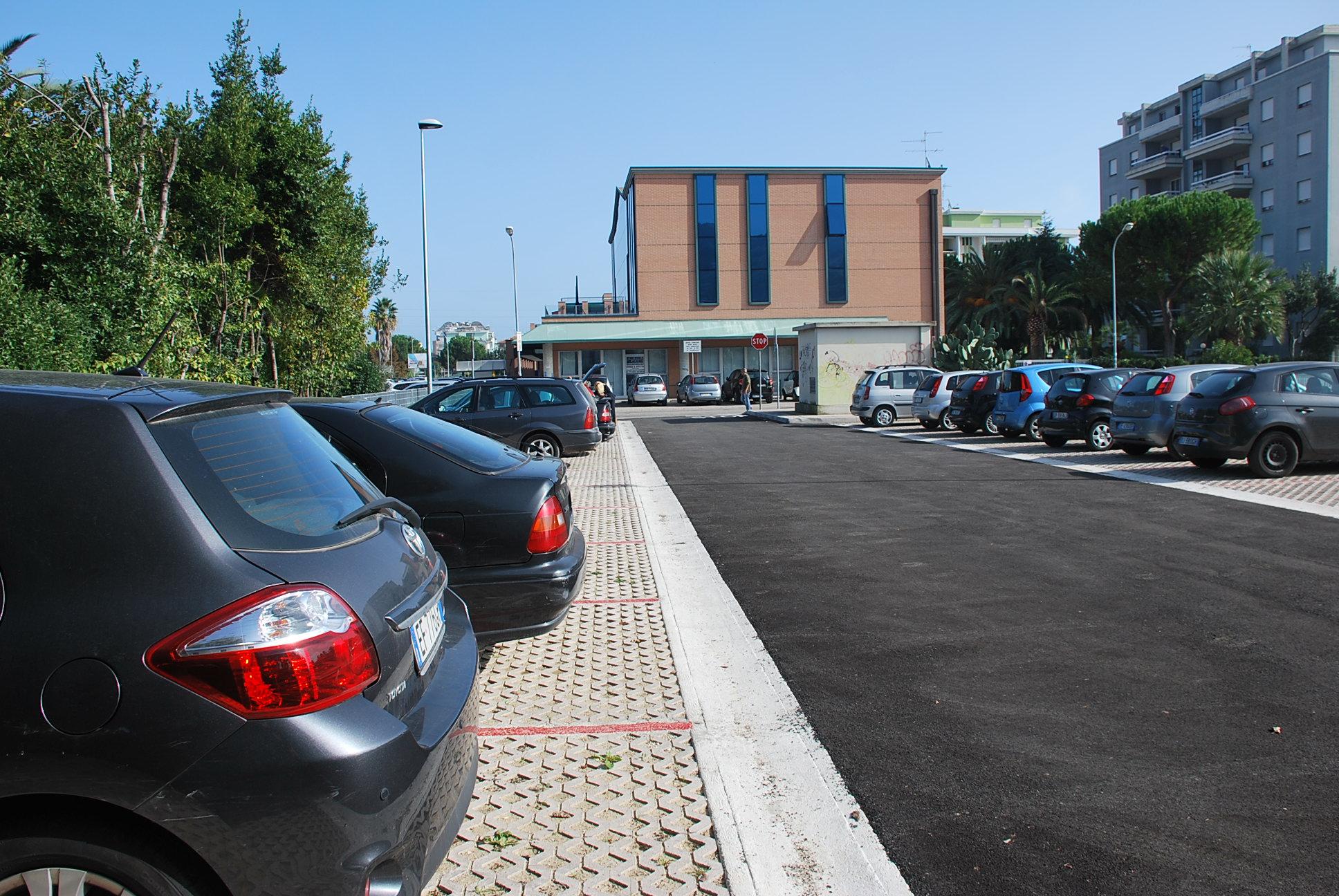 Parcheggio via Togliatti