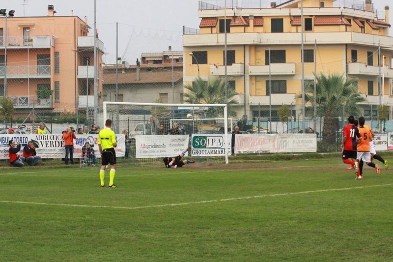 Il gol realizzato su rigore da Padovani