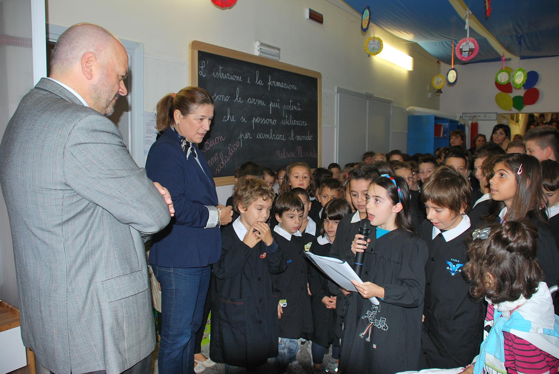 Gaspari visita le scuole