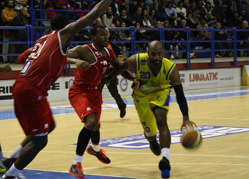 Collins in fase offensiva