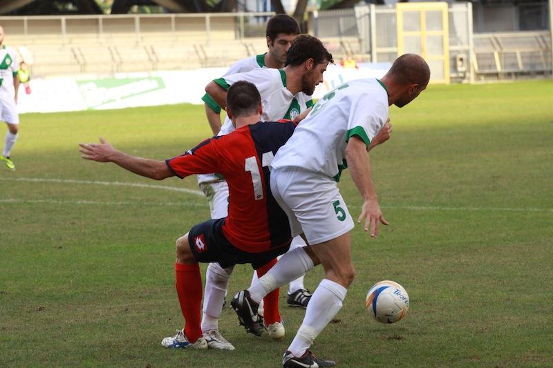 Samb-Castelfidardo 2-1, Piccioni chiuso in area