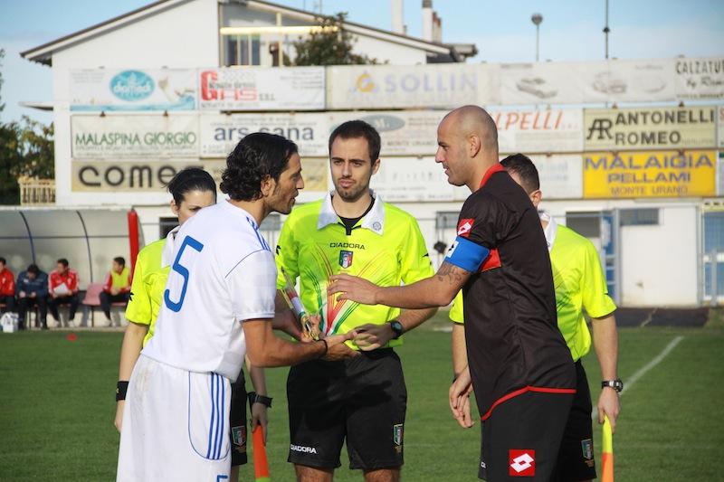 Monturanese  1-2 Samb, ingresso in campo 2