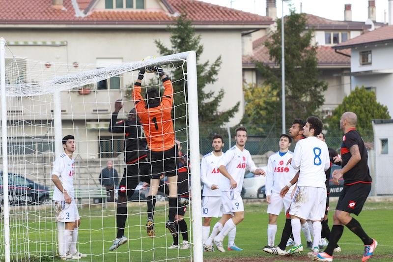 Monturanese 1-2 Samb, rossoblu all'attacco