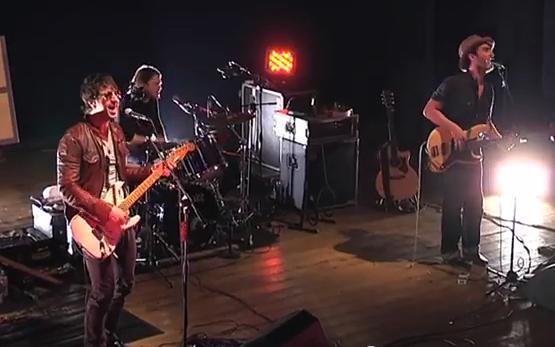 Joseph Arthur e la sua band in concerto al teatro Concordia