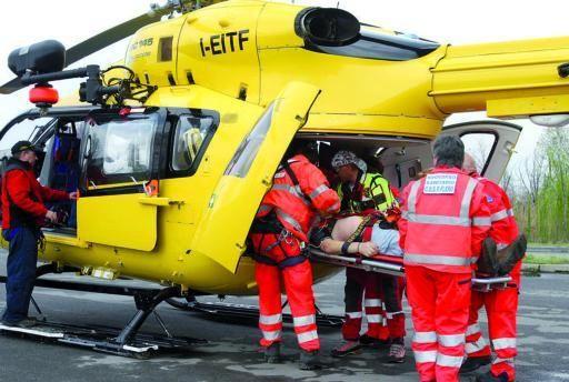 L'operaio è stato trasportato d'urgenza alle Torrette di Ancona