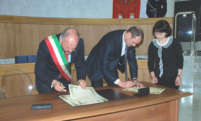 Firma del protocollo d'intesa con la città di Ekaterinburg
