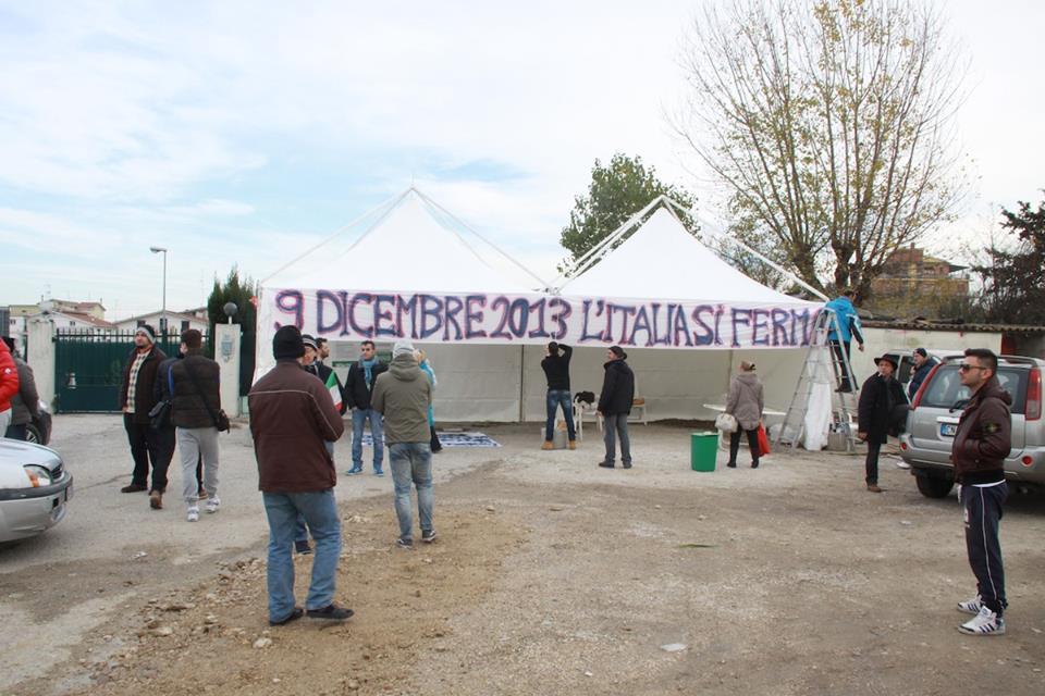 Allestimento gazebo Val Vibrata (Matteo Bianchini)