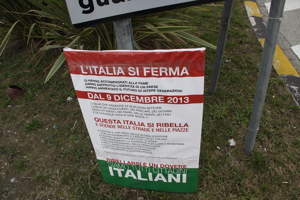 Cartellone della protesta Val Vibrata (Matteo Bianchini)