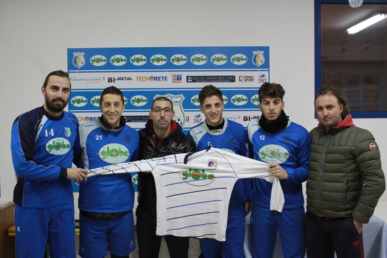 il Presidente Di Egidio (al centro) e il ds Roger Marconi (a destra) presentano i nuovi acquisti di dicembre