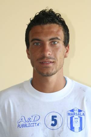 Il nuovo difensore del Grottammare calcio Vincenzo Lombardo