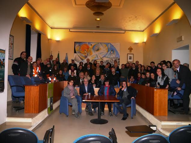 Il sindaco Piergallini e la giunta con i dipendenti comunali