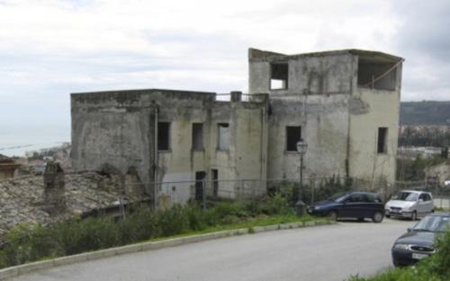 L'ex ospedale del paese alto di Grottammare