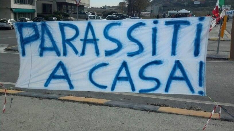 Striscione di protesta sul Tronto (3)