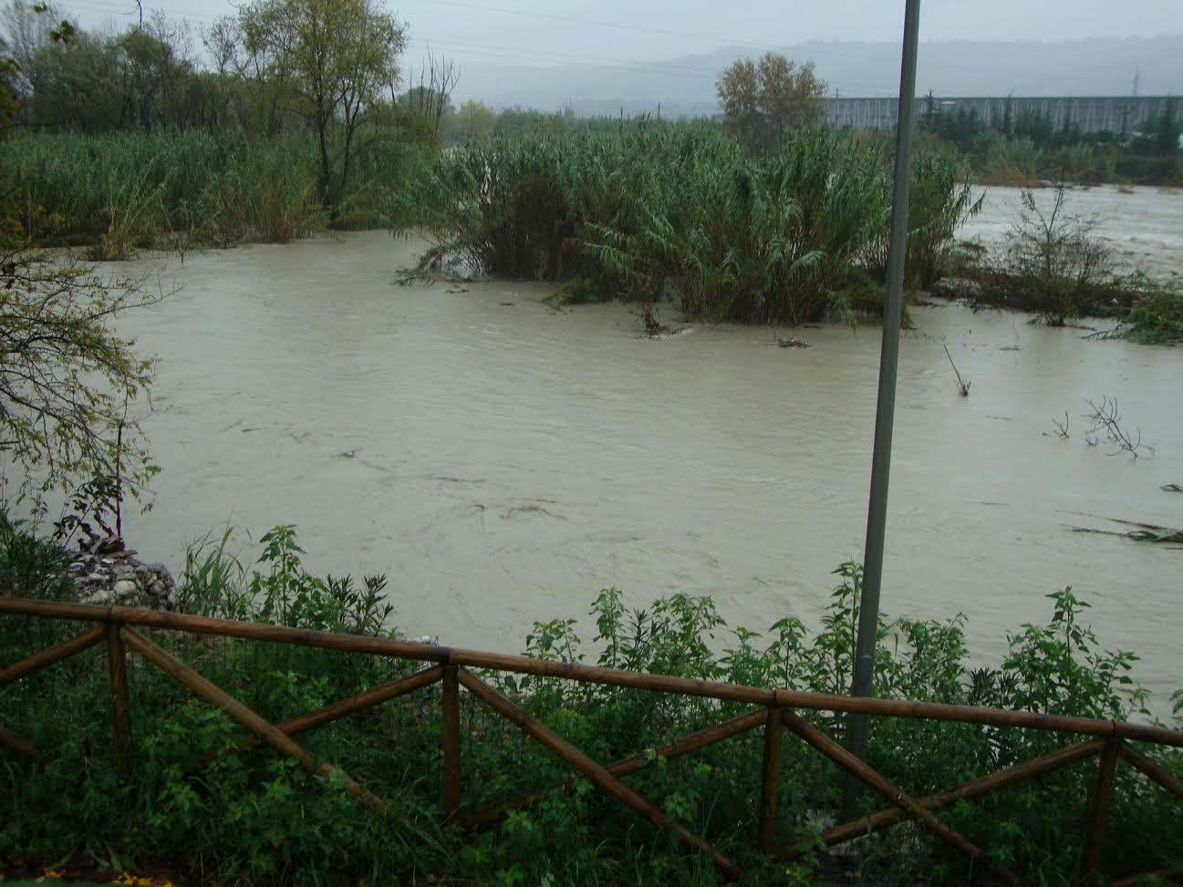 Tronto in zona industriale di Ascoli, 1 dicembre 2013